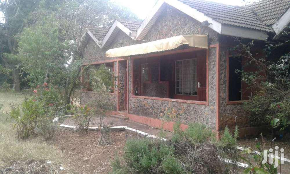 Archive: 3 BEDROOM BANGALORE NANYUKI TOWN TO LET